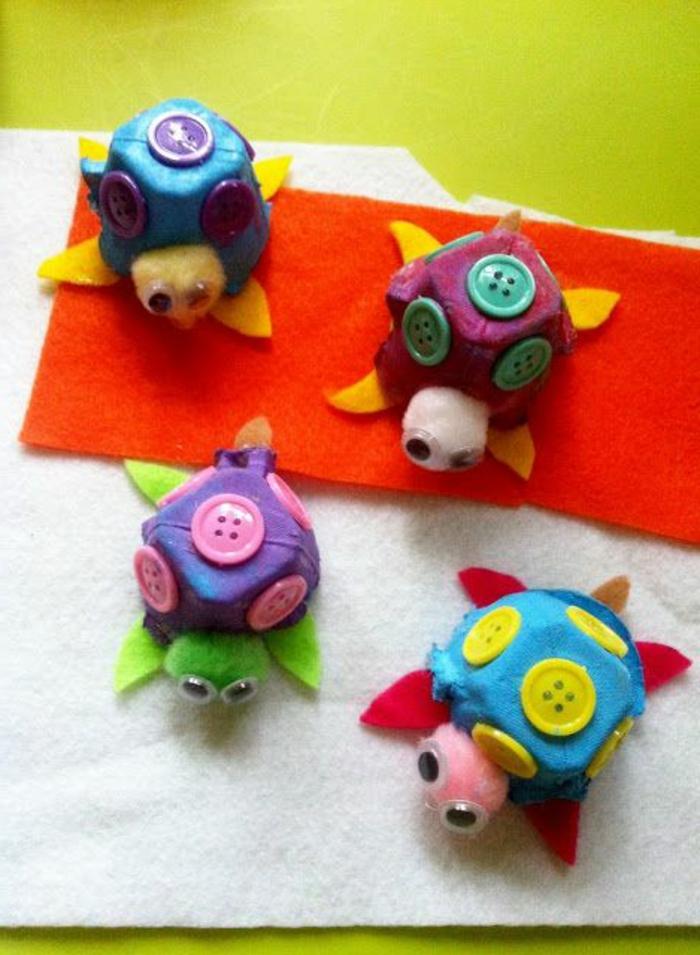 mini tortugas de carton en colores vibrantes, manualidades con carton fáciles y rápidas, ideas de manualidades divertidas