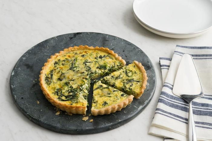tarta salada con espinacas y huevos y quesos, ideas de recetas con espinacas para preparar en primavera en imagenes