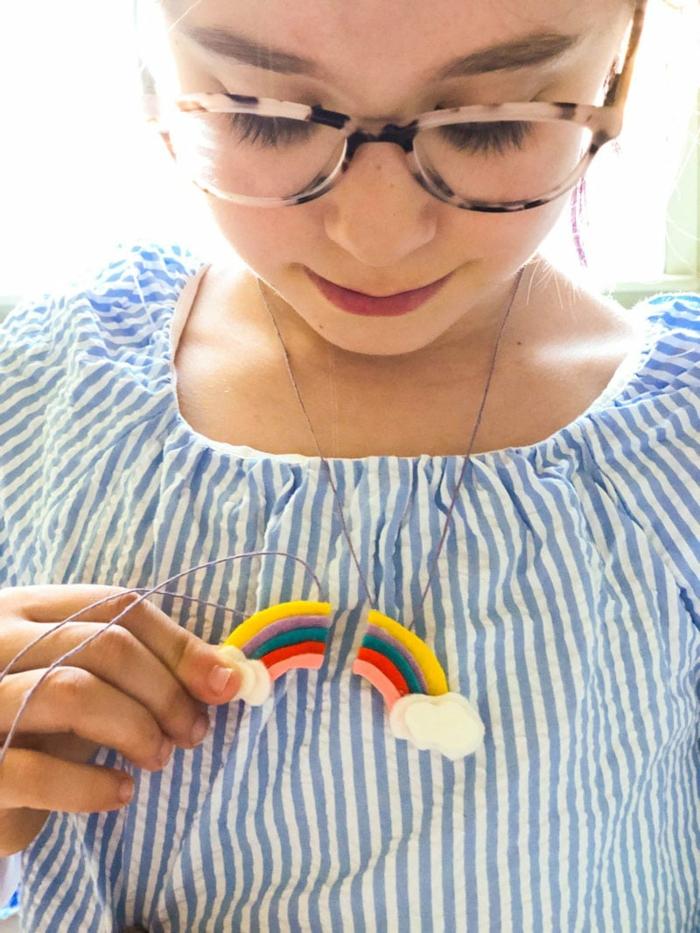 detalles decorativos y manualidades para niños faciles y rapidas, manualidades de fieltro originales para hacer en casa