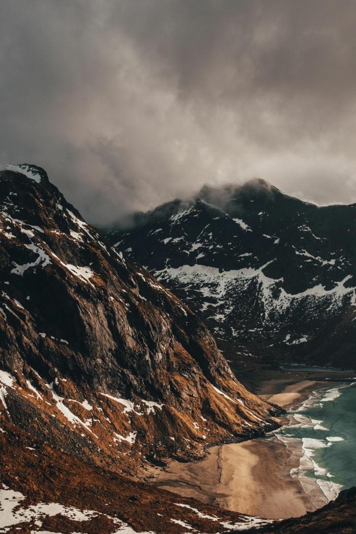 fondos de pantalla iphone con paisajes chulos, fantasticas ideas de imagenes para descargar, paisajes de montaña originales