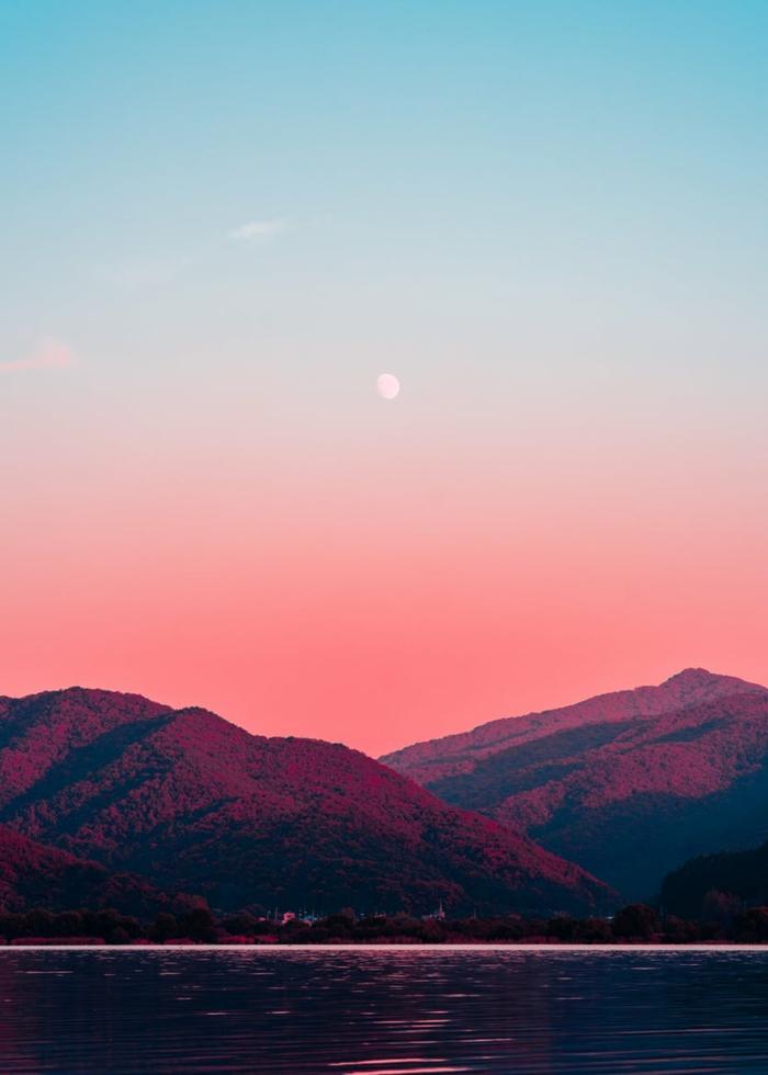 paisajes en bonitos colores, fotos del lago de Como en Italia, paisajes relajantes que puedes contemplar para combair el estres
