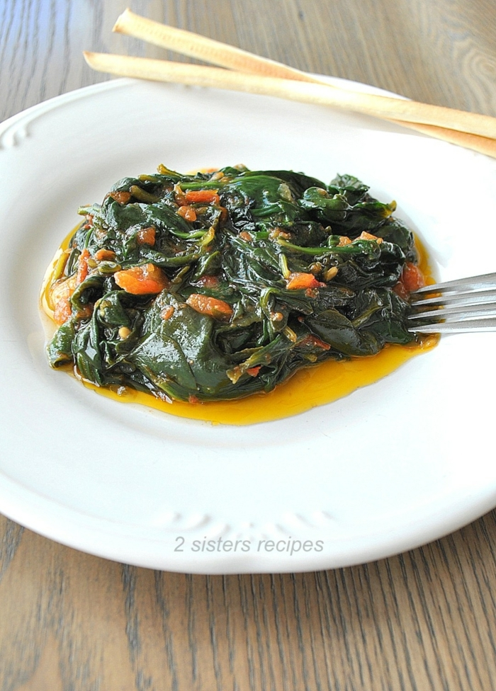 recetas sanas para cenar, espinacas en el horno con zanahorias y aceite de oliva, ideas de recetas dieta equilibrada y sana