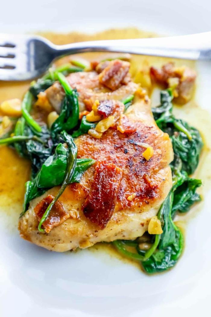 como preparar pollo con espinacas, pollo asado con maiz y espinacas, fotos con ideas de recetas sanas para cenar