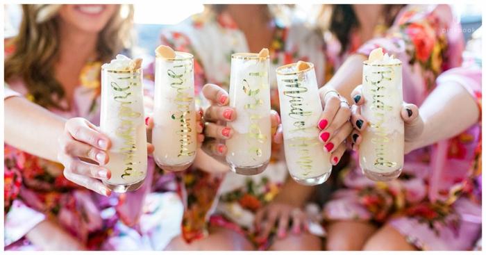 una fiesta hawaiana al mar con cócteles, ideas de que hacer en una despedida de soltera divertidas, fotos de fiestas