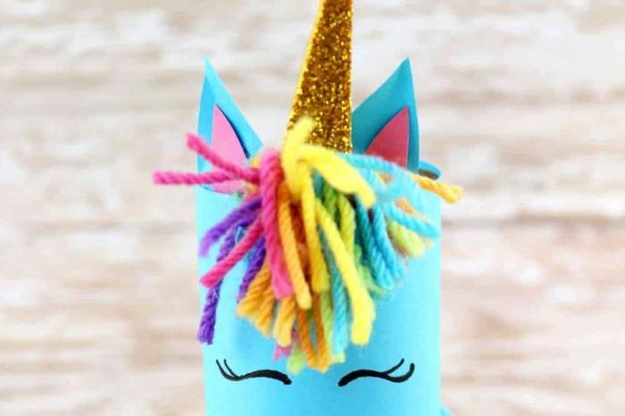 manualidades faciles y bonitas, detalles decorativos hechos de cartón, pequeño uniconrio hecho de rollo de papel higienico