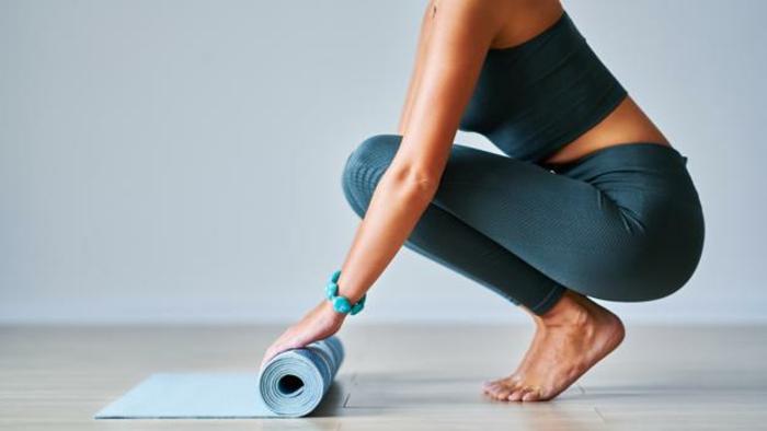 tabla de ejercicios en casa, ideas para adelgazar en casa, originales ideas de ejercicios caseros faciles de hacer en imagenes