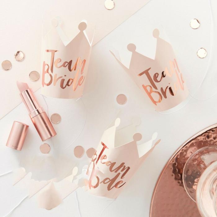 detalles decorativos e ideas que hacer en una despedida de soltera, fotos con pequeños detalles temáticos para montar una fiesta para tu mejor amiga