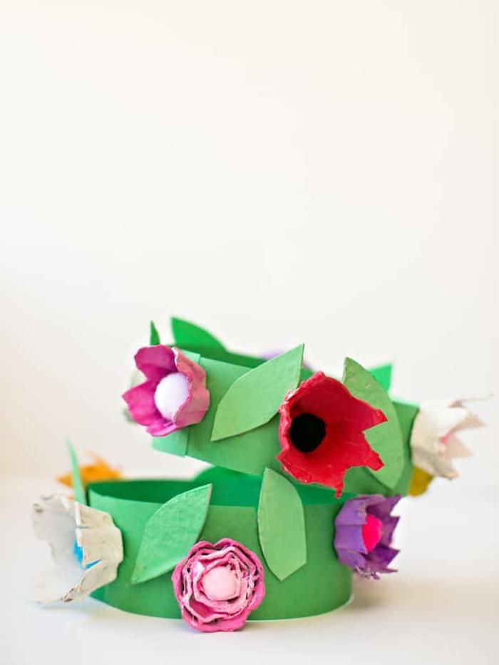coronas decorativas infantiles, ideas de manualidades para niños originales, manualidades de pascua para niños en imagenes
