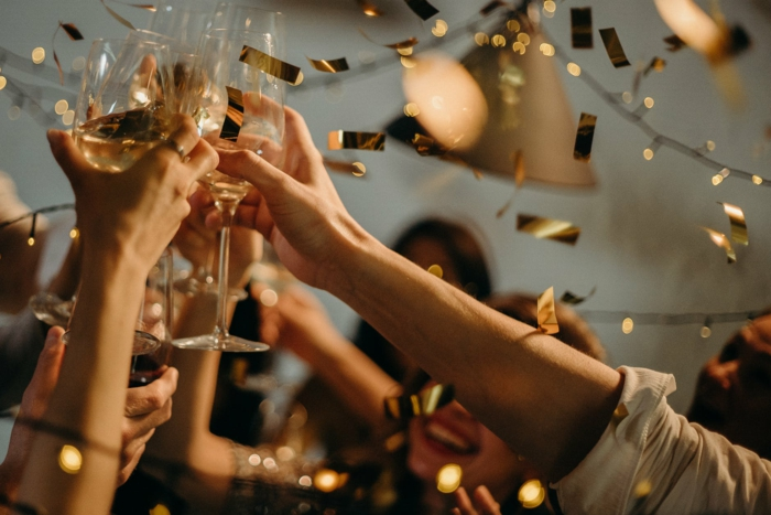 ideas sobre fiestas despedida de soltera originales, fotos con ideas sobre como celebrar una despedida paso a paso