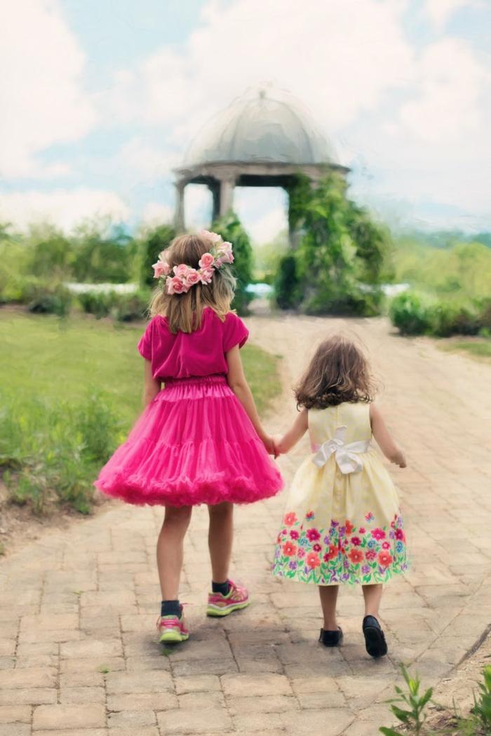 los mejores fondos de pantalla, niñas pequeñas en una bonita jardín, fotos de paisajes primaverales que inspiran