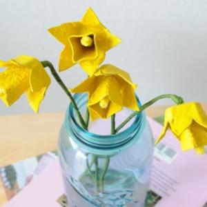 Manualidades con hueveras para decorar la casa en Pascua
