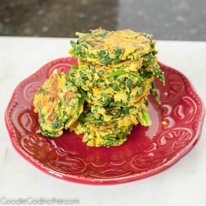 hamurguesas vegetarianas con espinacas, ideas de recetas vegetarianas faciles y originales, fotos de comidas saludables