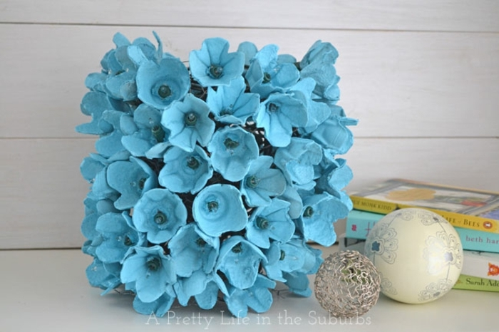 decoracion con hueveras bonita, ideas de decoraciones para la primavera, manualidades para pascua con hueveras de carton