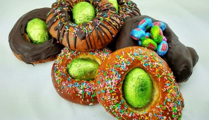 fantásticas ideas de recetas caseras fáciles y rápidas, fotos de roscones de pascua y monas de pascua con chocolate