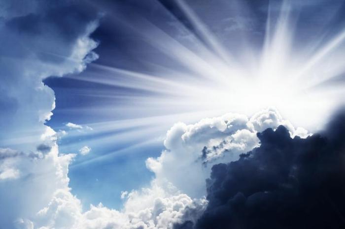 la preciosa belleza de los nubes y los rayos solares, ideas de imagenes que revelan la impactante belleza de la naturaleza