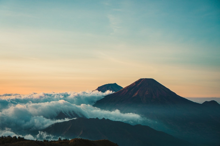 paisajes montañosos que relajan la mente, 90 ejemplos de fotos de naturaleza de alta calidad que puedes descargar