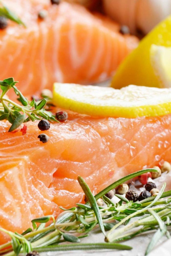 salmón con romero y limones, ideas de comidas para gente que hace deporte, las mejores recetas dieta para bajar de peso