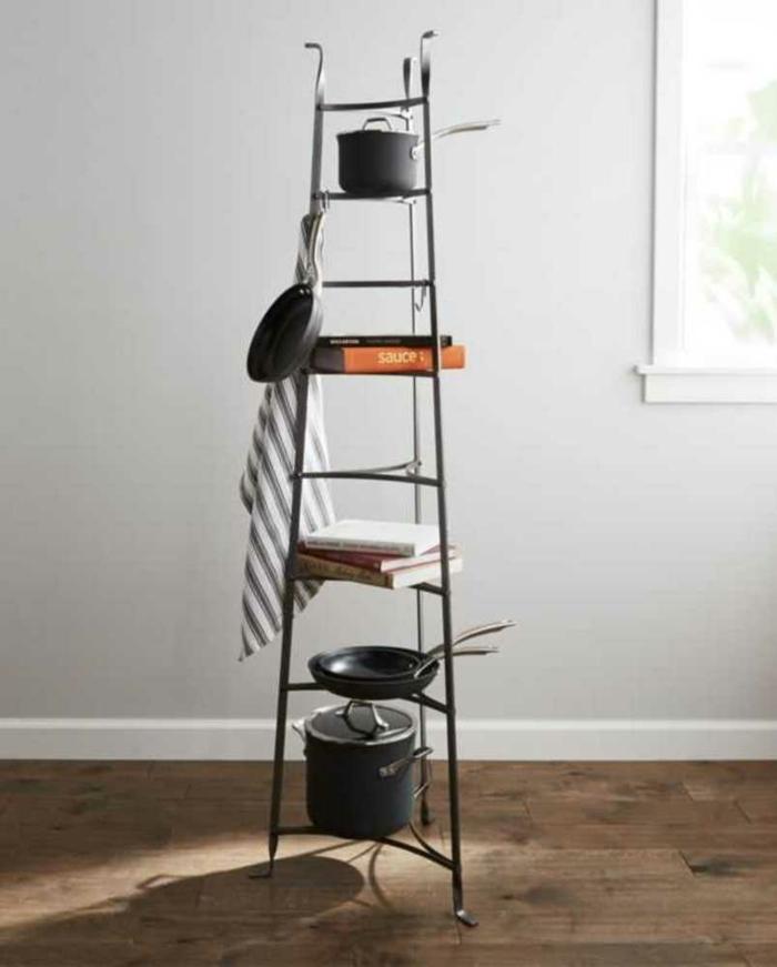 escalera vintage para guardar cosas en la cocina, ingeniosas ideas sobre como ganar espacio en la cocina y trucos de decoracion