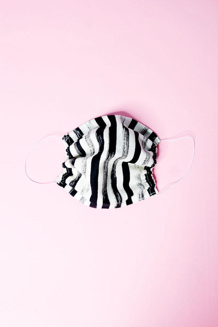mascarilla en rayas origiinal, fotos con ideas de mascarillas de respiracion modernas, pasos para hacer mascarillas originales