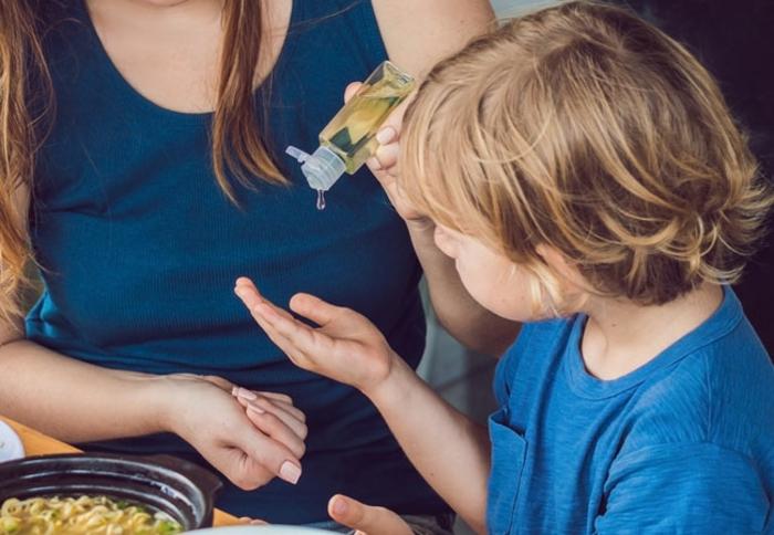 qué es lo que necesitas para prepararte un gel desinfectante manos en casa, tutoriales paso a a paso y receta de la OMS