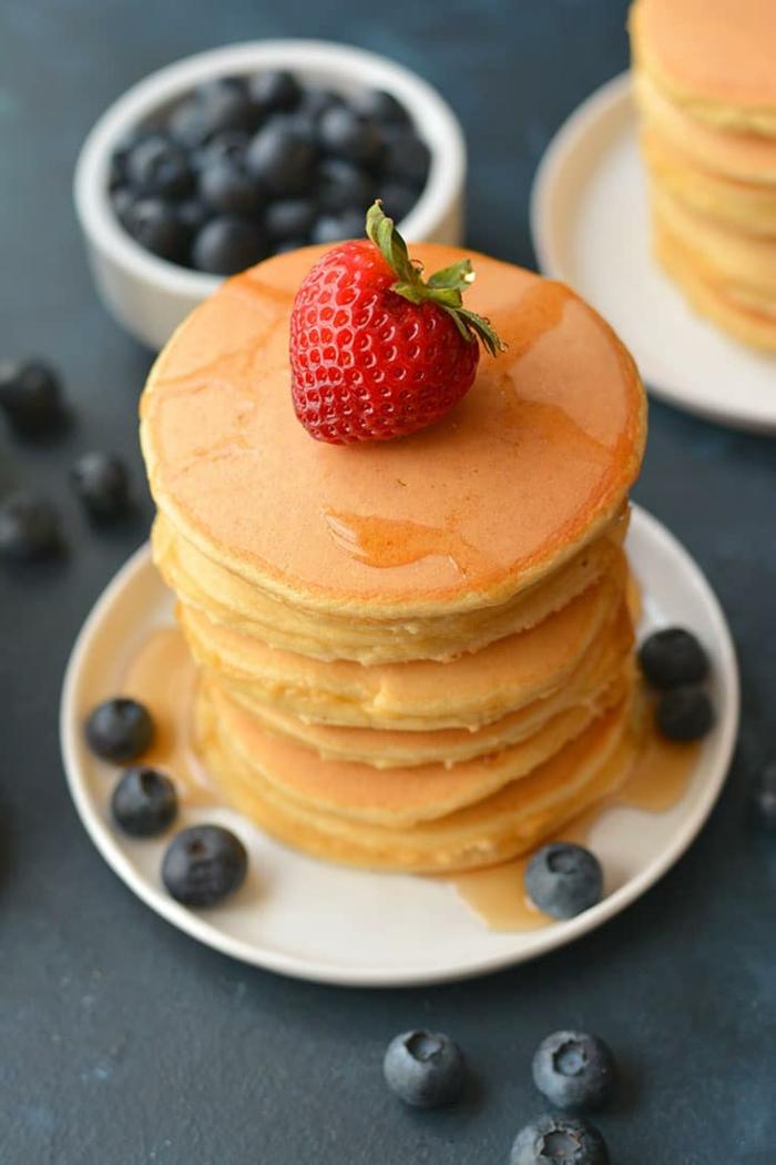 crepes de harina de almendras, las mejores ideas de recetas de desayunos fitnes faciles, como hacer crepes integrales