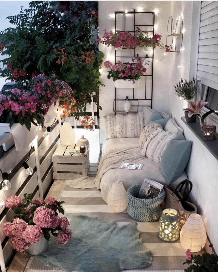 terrazas acogedoras y relajantes, ideas para crear un rincón casero con velas y lamparas, ideas de decoracion con flores