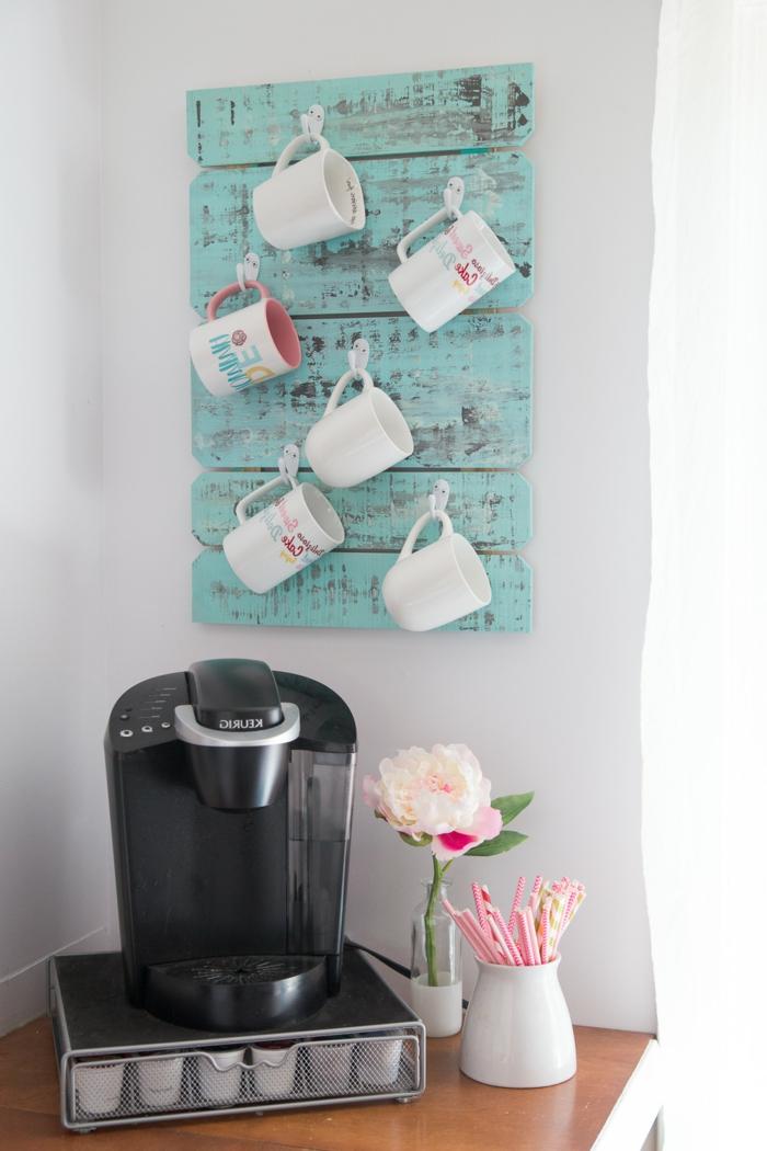 regalos dia de la madre utiles, como hacer un organizador de tazas casero hecho de madera, ideas de regalos DIY