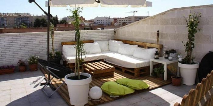 bonitos ejemplos de jardines con palets, terrazas, patios y jardines decorados con muebles con pelts bonitos, fotos de terrazas grandes