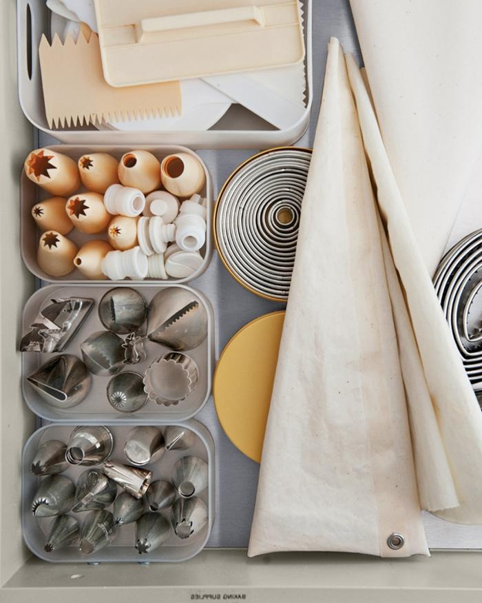 cajas de almacenaje originales para ordenar la cocina, fotos de cocinas ordenadas y limpias, como organizar la casa