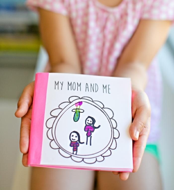 tarjeta para el dia de la madre en forma de un libro, regalos dia de la madre manualidades, ideas de regalos caseros unicos