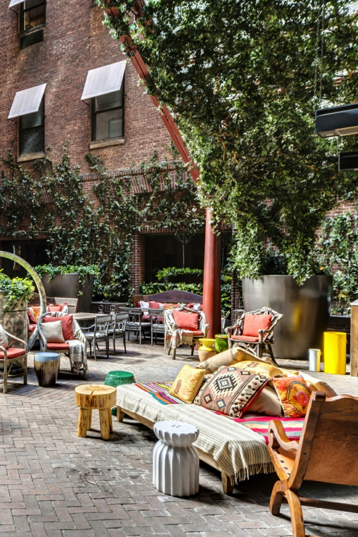 decorar tu patio en estilo mediterraneo, terraza grande con muebles de palets, fotos de terrazas modernas y bonitas