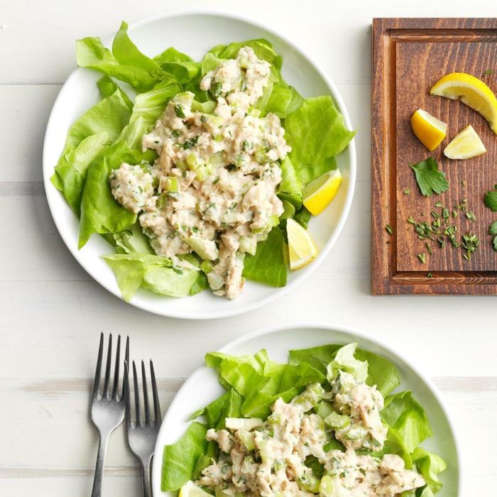 ensaladilla con atun, ideas de ensaladas proteicas para comer despues de entrenar, mas de 90 ideas de recetas sanas para cenar