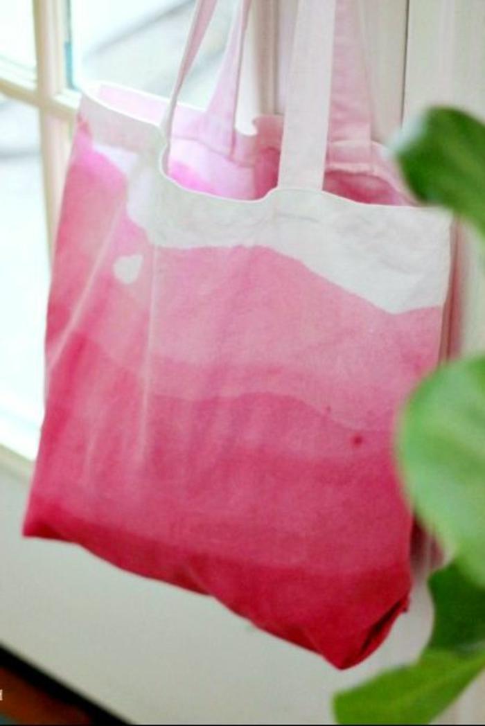 como hacer tote bag, bolsa toté decorada e estilo ombre, fotos con ideas de regalos originales para madres paso a paso