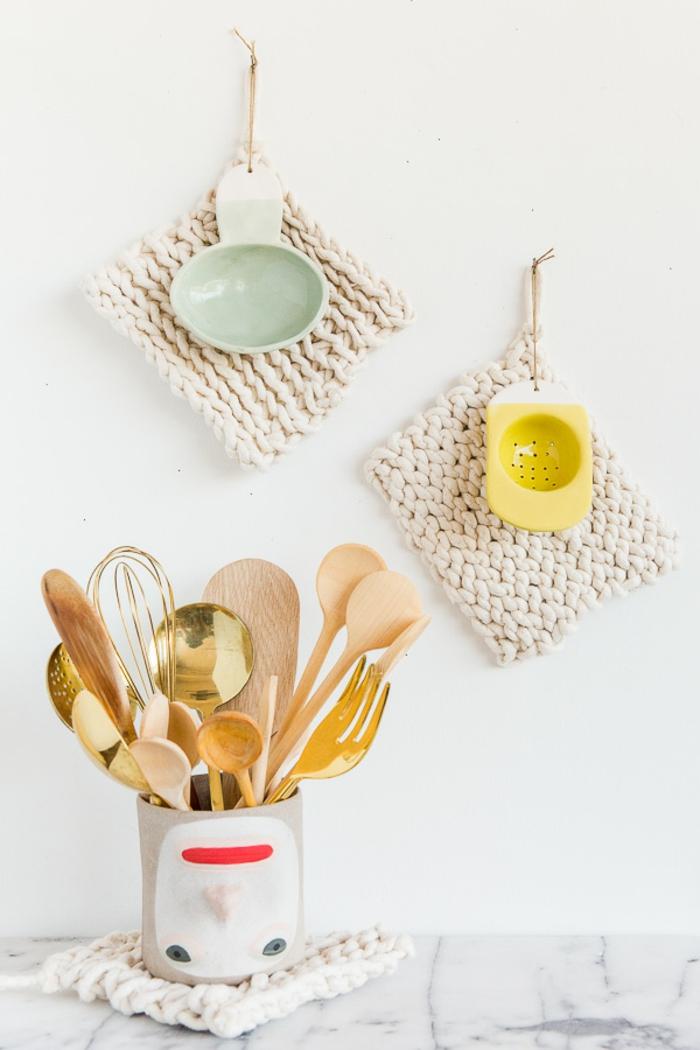 detalles de lana hechos a mano, ideas de regalos para las madres afficionados a la culinaria, fotos de regalos caseros