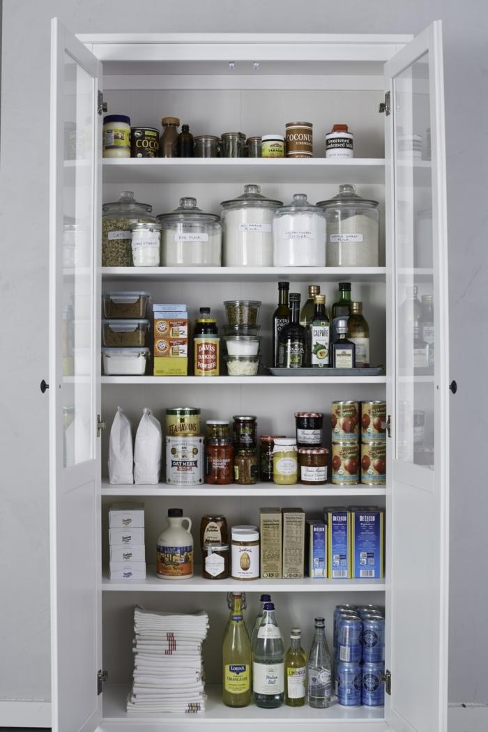 ideas para ordenar los armarios en la cocina, fotos de amrarios ordenadors, consejos sobre como ordenar la cocina paso a paso