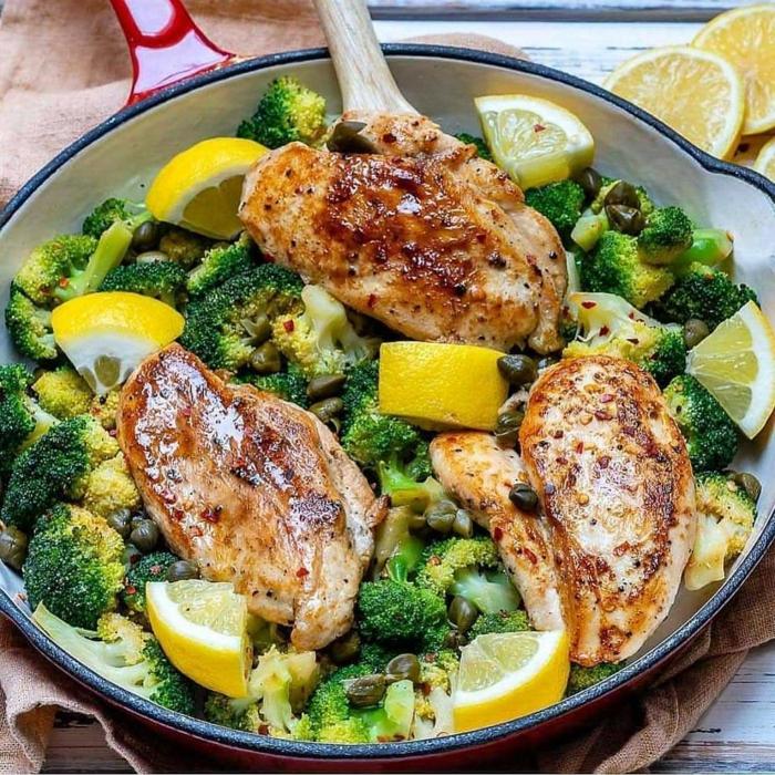 comida fitness, pollo con brocoli y limon, ingredientes proteicos para comer despues de entrenar, ideas de recetas en fotos