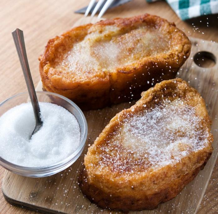 torrijas con leche y azucar, ideas de recetas faciles y rapidas para hacer en casa, como hacer torrijas para pascua caseras