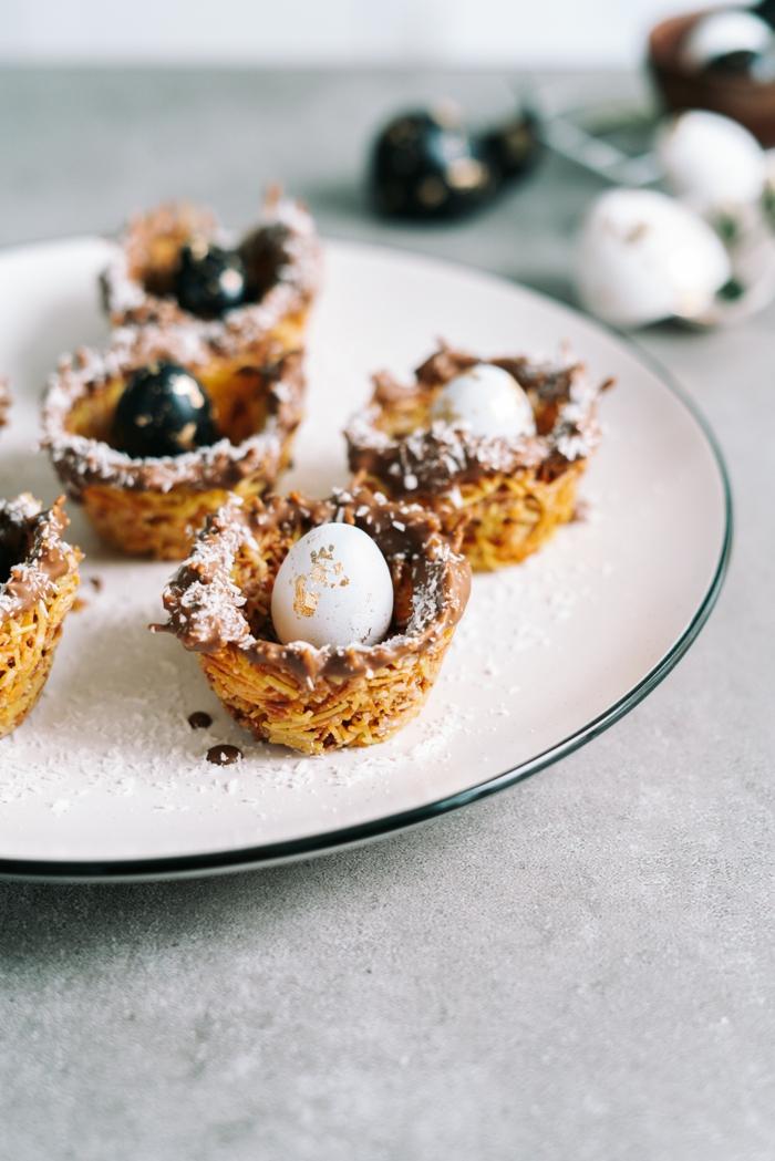 dulces típicos de semana santa y otras ideas originales de pasteles y postres para pascua, cestas de fideos decorativas