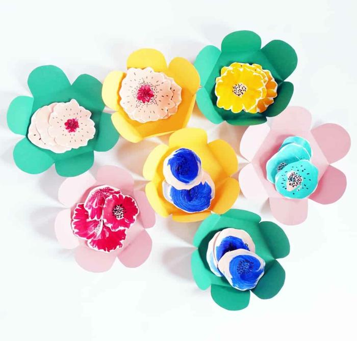 ideas de manualidades con papel originales, flores en bonitos colores, como hacer flores de papel para regalar paso a paso
