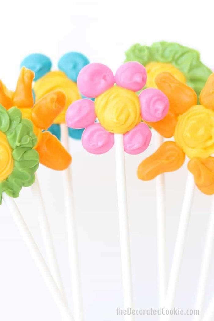 flores de caramelos coloridos, ideas de regalos para sorprender a tu mama en el dia de la madre, que regalar a tu madre