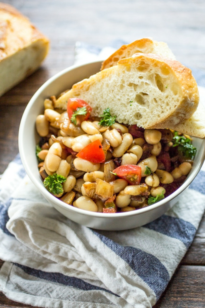 frijoles cocidos con verduras, comidas altas en proteinas para comer despues de entrenar, ideas de platos saludables dieta equilibrada