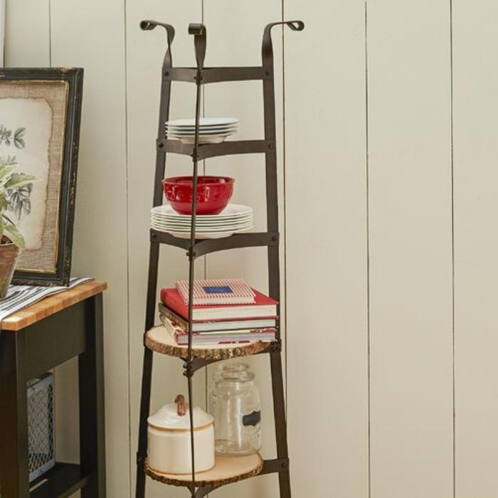 escalera vintage para guardar cosas en la cocina, ingeniosas ideas de organizacion cocin en fotos, mas de 90 ideas en imagenes