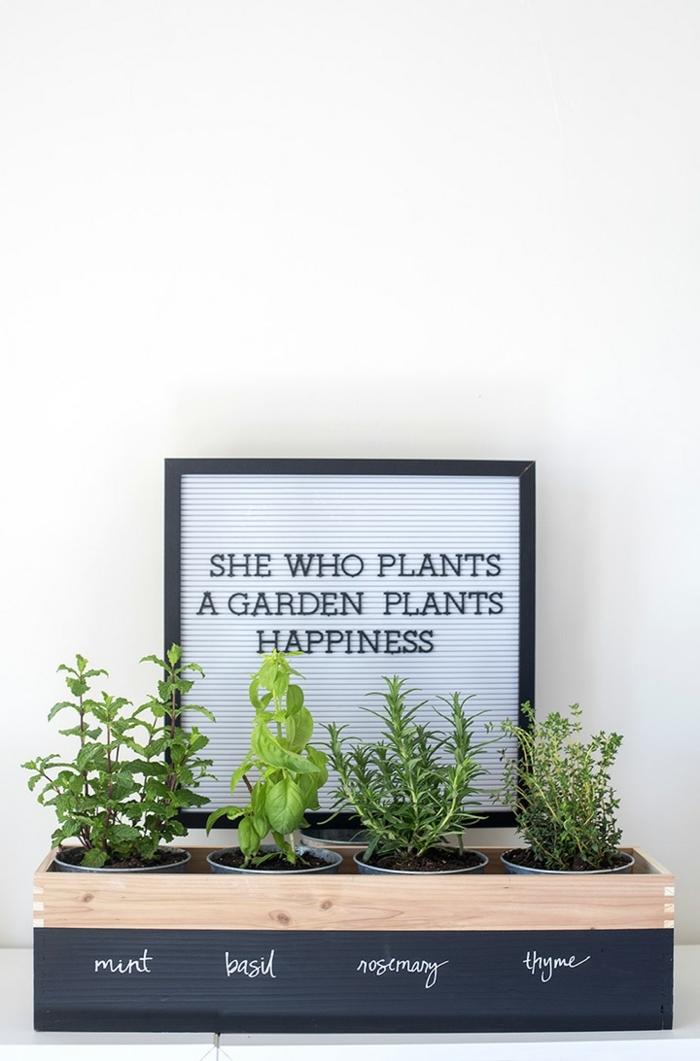 ideas de manualidades dia de la madre, regalos para las madres que aman cocinar y ocuparse de jardineria, fotos con ideas de regalos DIY