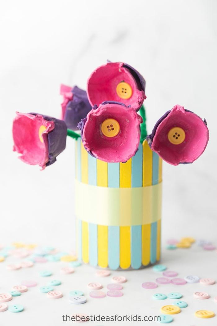 manualidades con hueveras faciles y rapidas, como hacer flores de cartón, las mejores ideas de regalos dia de la madre manualidades
