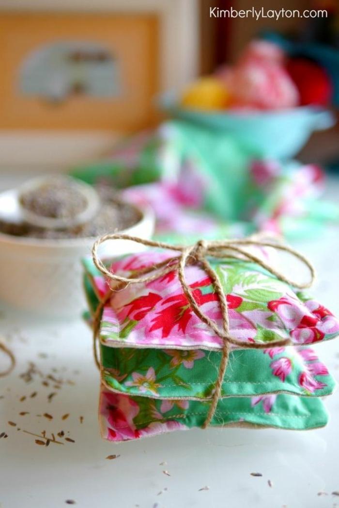 bolsas de tela aromaticas, regalos para el dia de la madre caseros, ideas de cosas pequeñas DIY para hacer para tu mama