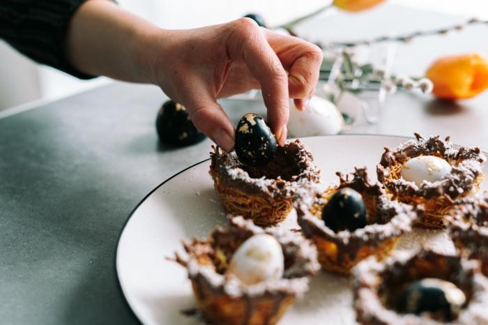 nidos de Pascua originales para decorar la mesa en semana santa, fotos con ideas de comidas ricas y faciles de hacer