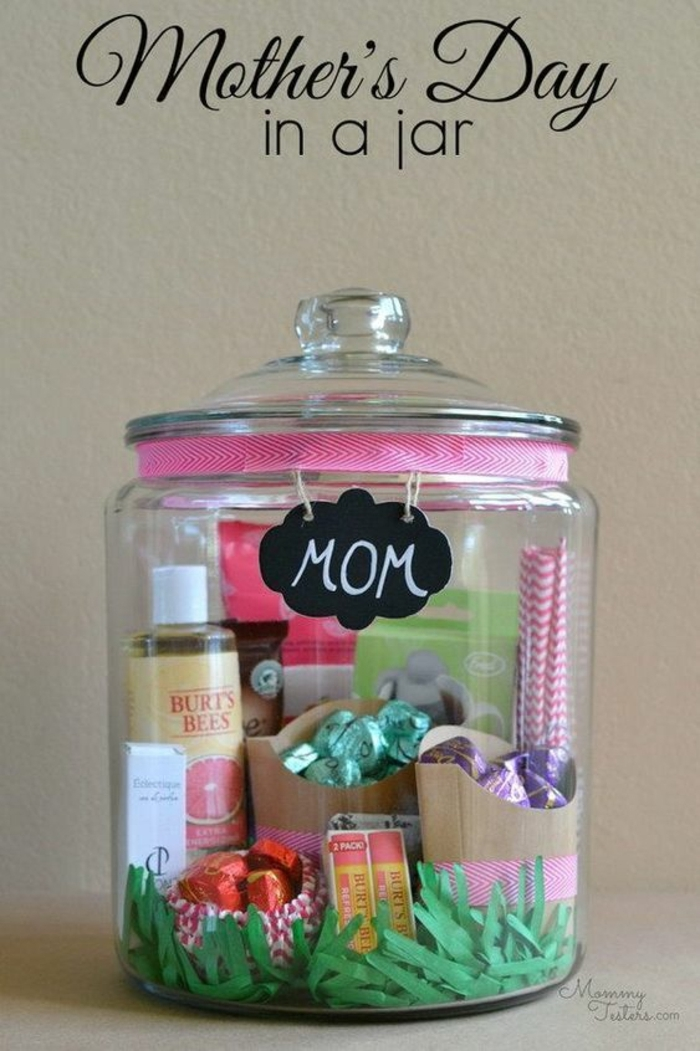 regalos para el dia de la madre caseros, frasco con pequeños detalles, fotos de regalos para madres y abuelas