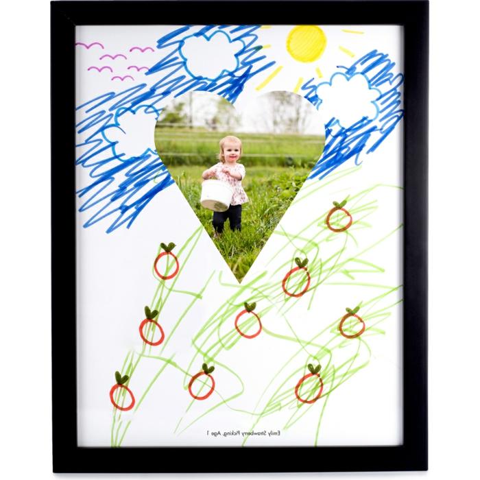 cuadro decorativo con foto infantil y dibujos bonitos, ideas de manualidades infantiles para regalar a una madre en fotos