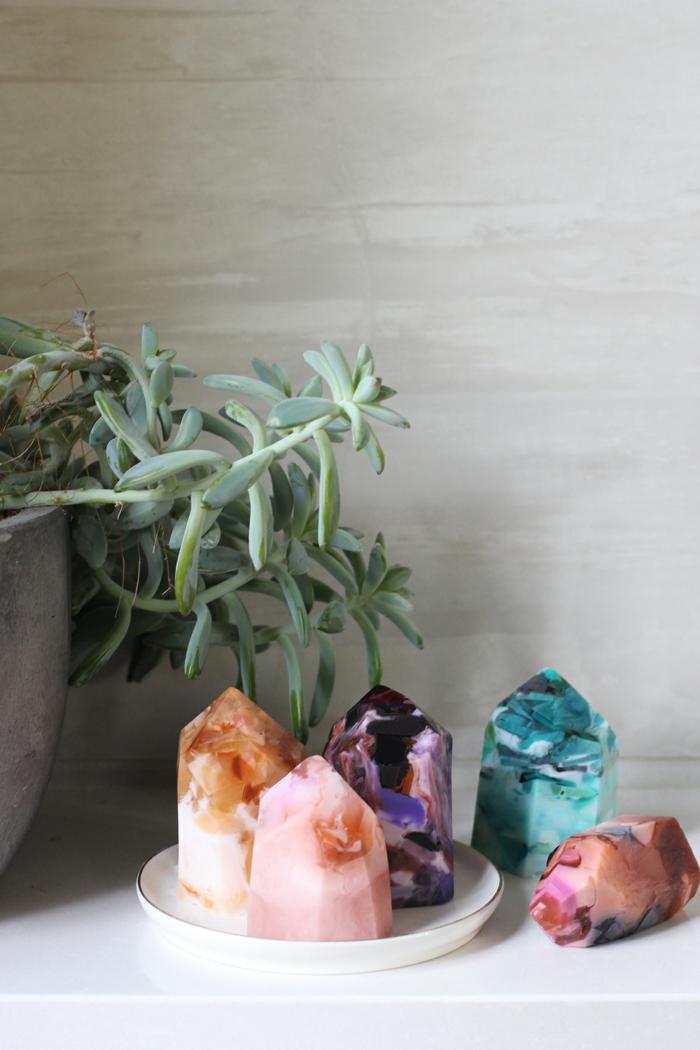velas aromaticas en forma de diamantes, manualidades dia de la madre, fotos de cosas bonitos que puedes regalar