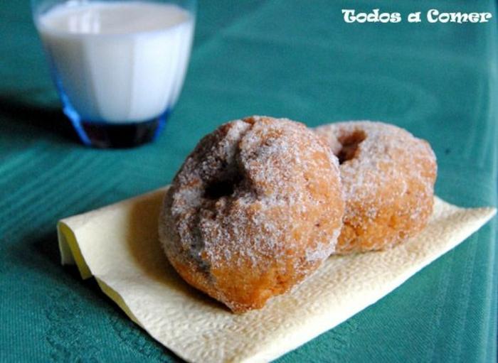 monas de pascua pequeñas, postres italianos originales, ideas de dulces y panes dulces, postres faciles para impresionar